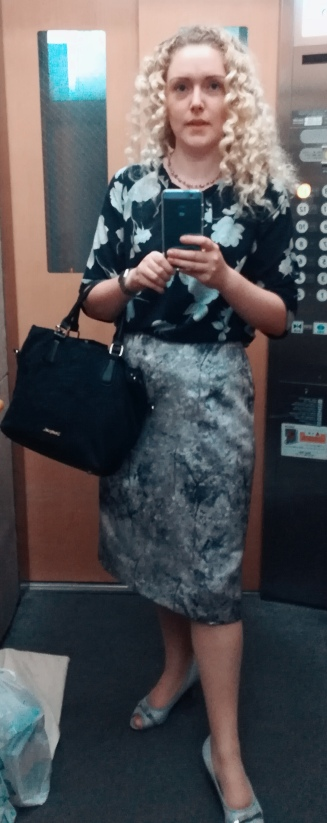 Smart meeting outfit